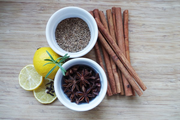 Cinnamon sticks with lemon